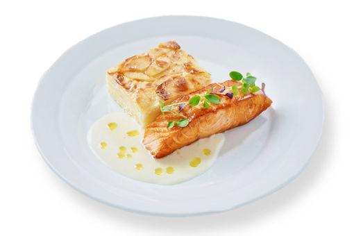 Filet lososa sous-vide s citrónovou omáčkou z rybího vývaru, gratinovanými smetanovými brambory s muškátovým oříškem z Eatperfect.cz