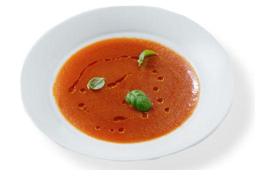 Jídlo s rozvozem domů - tomatová polévka s bazalkou. Vegan, bez lepku