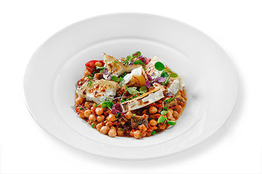 Obrázek Cizrna pečená v rajčatech, zelenina, grilovaný kozí sýr VEG