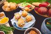 Obrázek BURGER SET - TRHANÉ VEPŘOVÉ maso, CHEDDAR sýr, JALAPENOS paprička, ZELENINA, BBQ omáčka, MAYO, BULKA